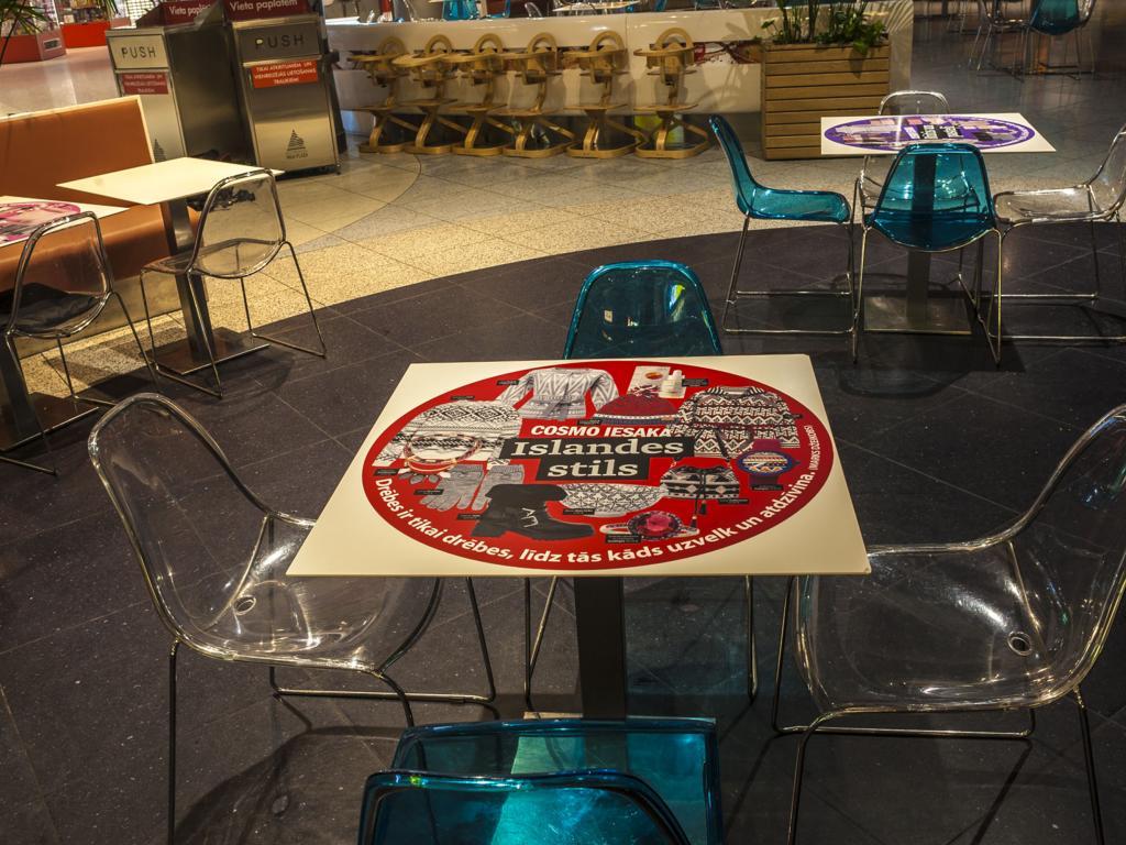 RIGA PLAZA Cosmopolitan Shopping nights akcijas noformējums