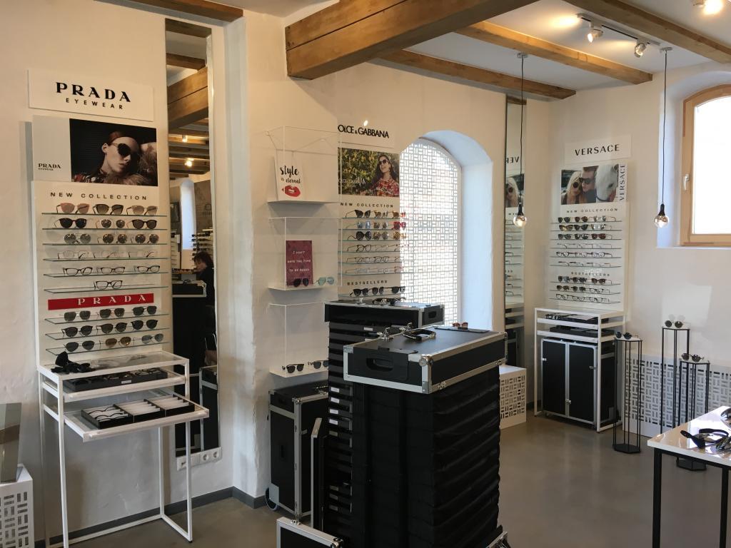 Luxottica show room noformēšanas darbi