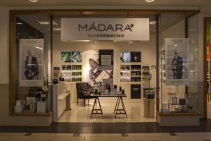 Madara Cosmetics veikalu noformējums